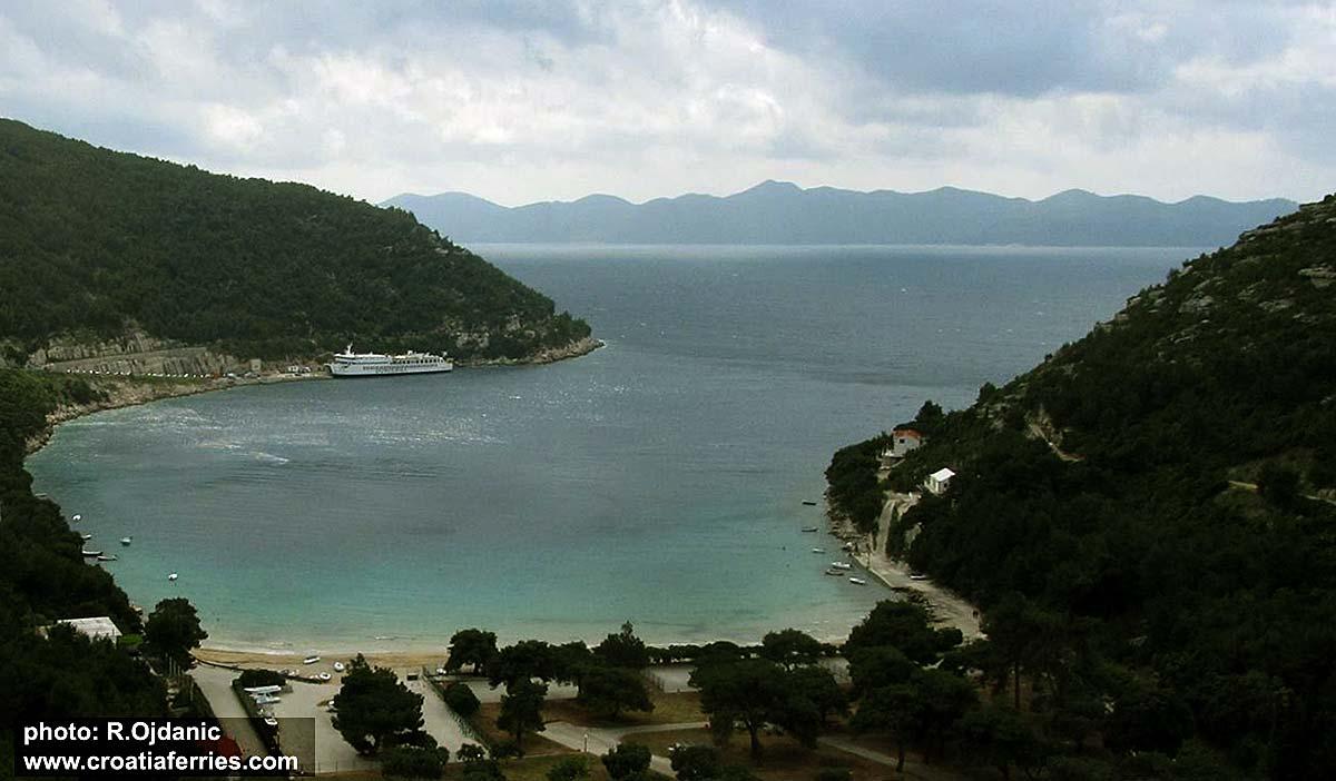 Prapratno port and ferry 'Valun'