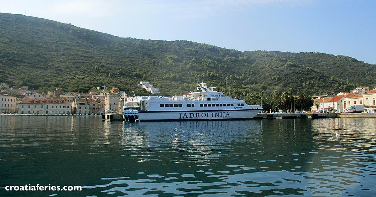 ferry Karolina in Vis town bay