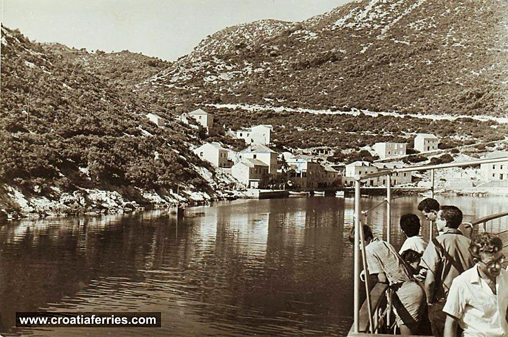 ferry-arriving-sobra-mljet1950s