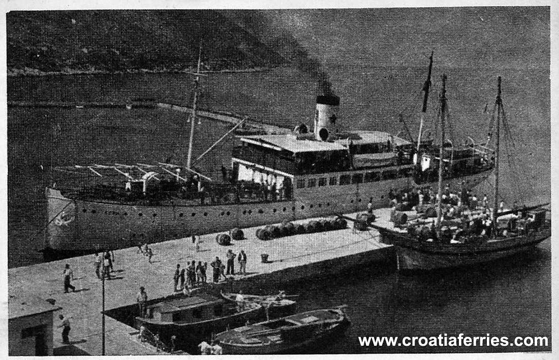 ferry-istra-trpanj-port1920s