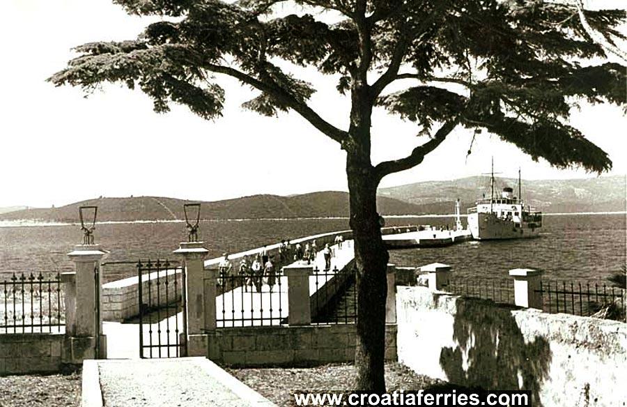 ferry-orebic-port1950s