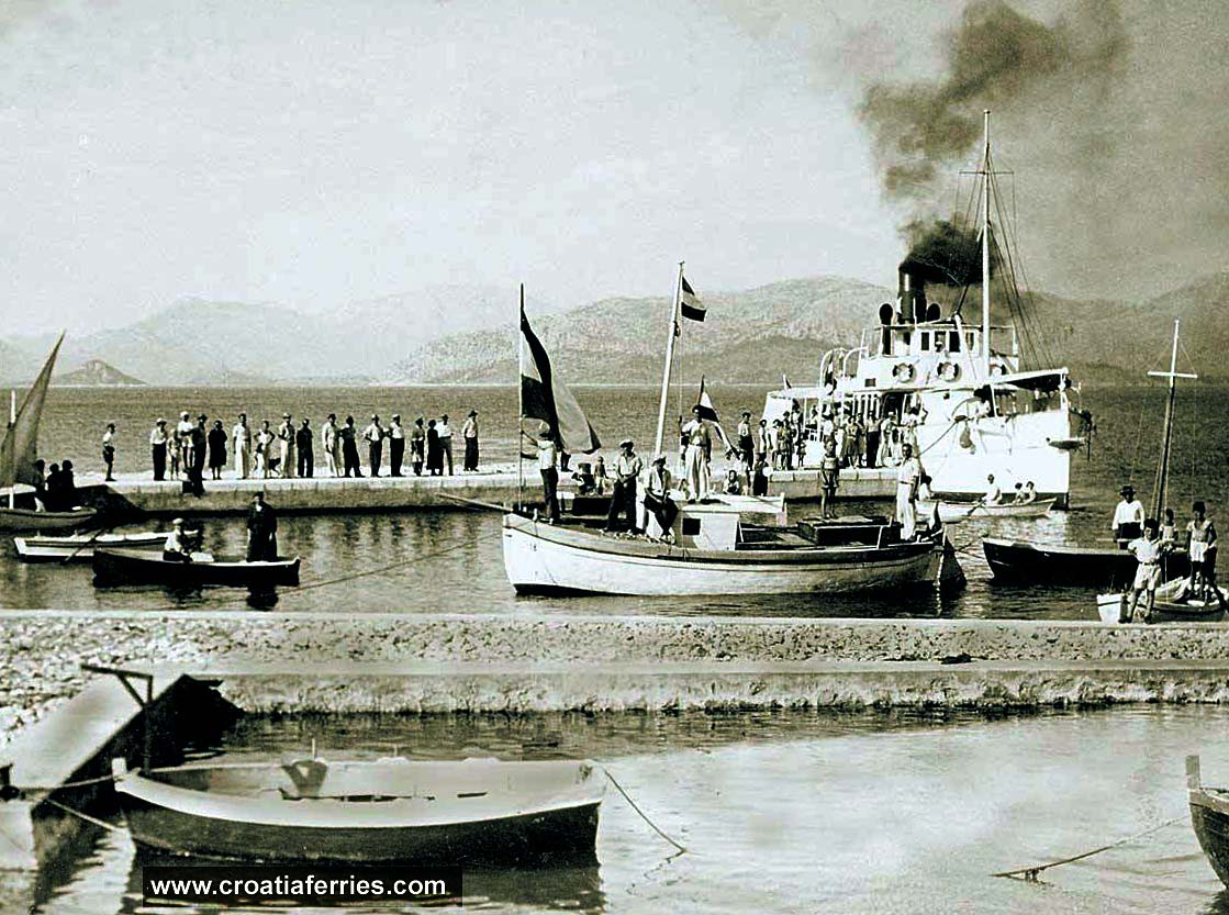 ferry-steamboat-peljesac193