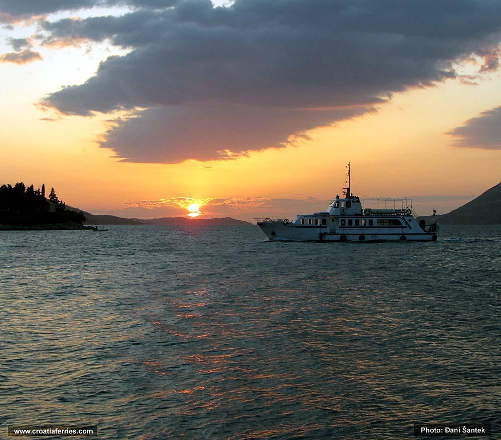 romantic-footpassenger-ferry2013